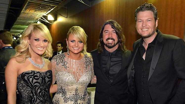 Famous friends mingle at the grammys for Carrie underwood and miranda lambert friends