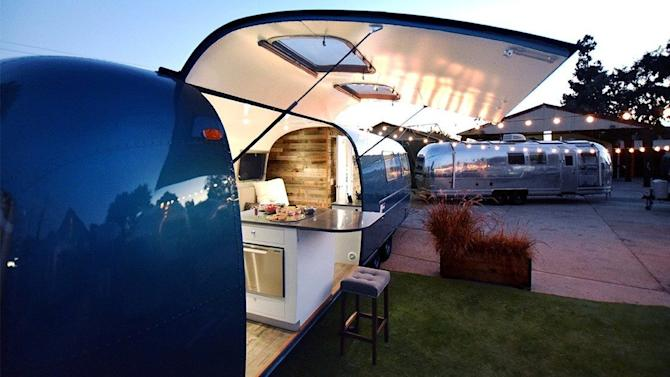 Be on Permanent Vacation in a Gorgeous Airstream by the Sea — House of the Day https://ec.yimg.com/ec?url=http%3a%2f%2fwww.apartmenttherapy.com%2fbe-on-permanent-vacation-in-a-gorgeous-airstream-by-the-sea-237426%3futm_source%3ddlvr.it%26amp%3butm_medium%3dtumblr&t=1487837619&sig=xrDeFKx6y_3GCvVUKPGk7g--~C