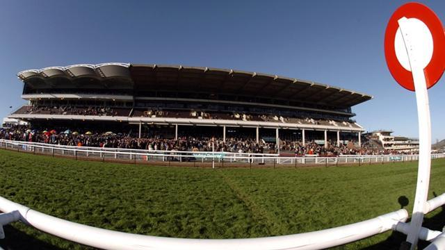 Horse Racing - Aussie Reigns takes Kempton win