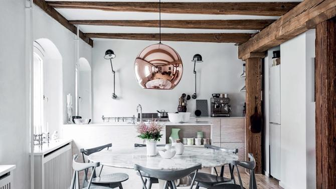 Drama, Drama, Drama: 13 Kitchens with Scene-Stealing Lighting https://ec.yimg.com/ec?url=http%3a%2f%2fwww.apartmenttherapy.com%2fdrama-drama-drama-13-kitchens-with-scene-stealing-lighting-235652%3futm_source%3ddlvr.it%26amp%3butm_medium%3dtumblr&t=1480934450&sig=p.rvrTzHBMGMXa7g3SyNsA--~C