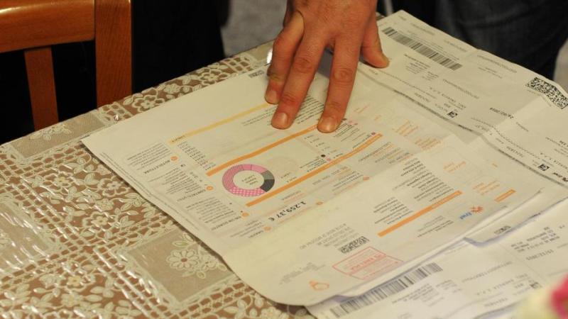 Dal primo aprile bollette meno care: elettricità -8% e gas -5,7%
