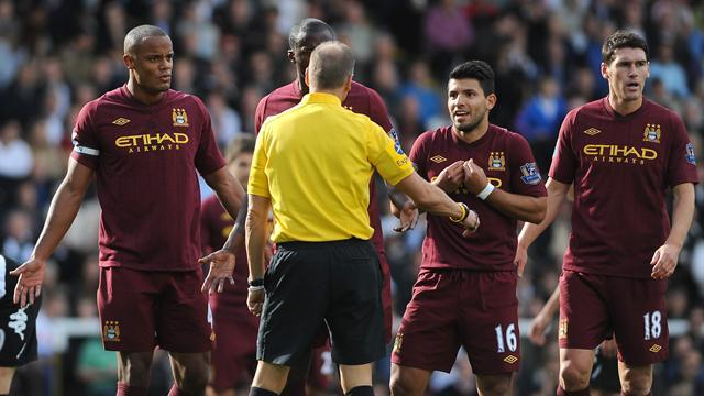Premier League - Aguero: Refs favour home players