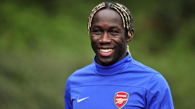 Premier League - Sagna signs for Manchester City