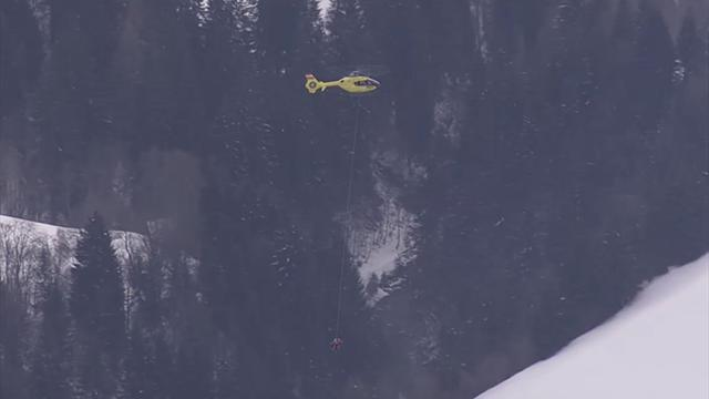 Alpine Skiing - Vonn suffers nasty crash in Worlds super-G