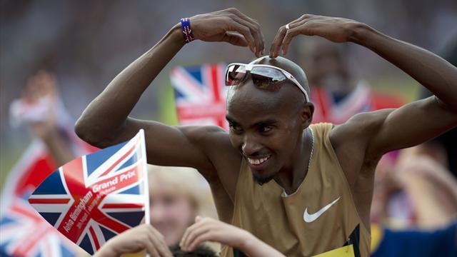 Farah set for holiday after two-mile win