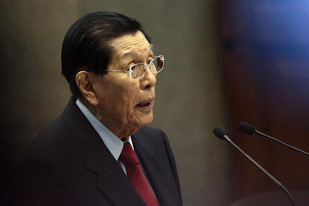 Senate President Juan Ponce Enrile delivers his privilege speech during a session at the Senate in Pasay City, south of Manila, on 21 January 2013. (Voltaire Domingo/NPPA Images)