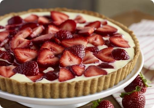 Strawberry Graham Cracker Tart
