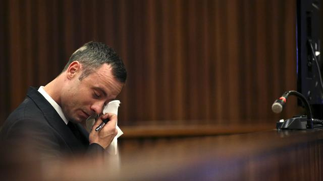 Pistorius case - Emotional Pistorius takes stand in own defence at murder trial