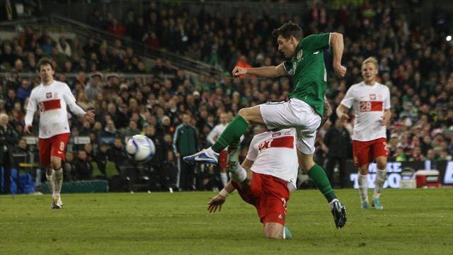 World Cup - Hoolahan hailed by Trapattoni