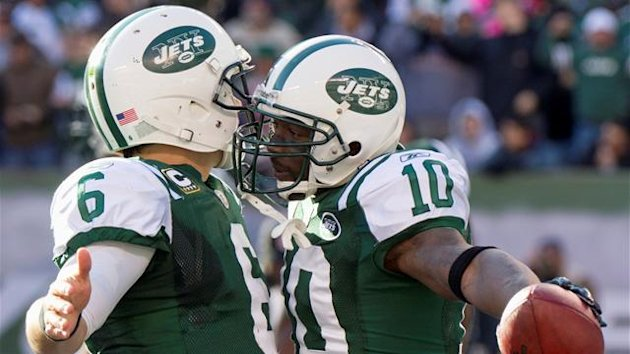 New York Jets Santonio Holmes with Mark Sanchez (Reuters)