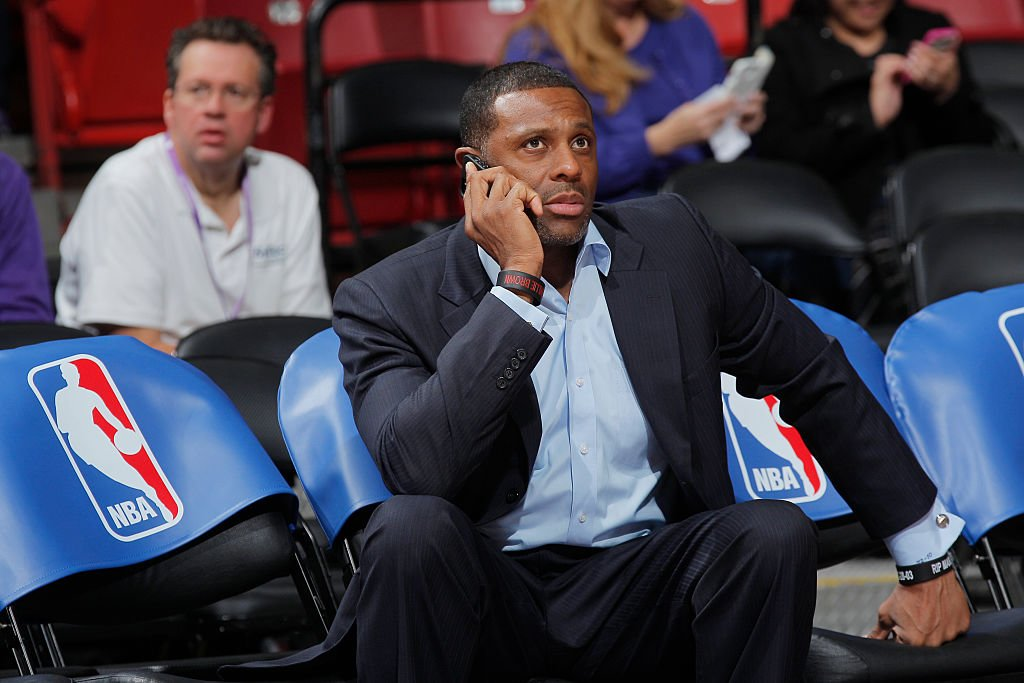 WHO IS RANDY BROWN CALLING RIGHT NOW?!?! (Getty Images)