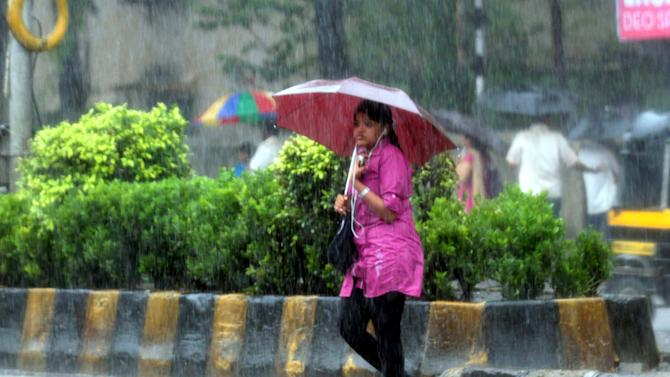 Monsoon Rains Lash Mumbai