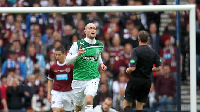 James McPake has agreed a permanent deal with Hibernian
