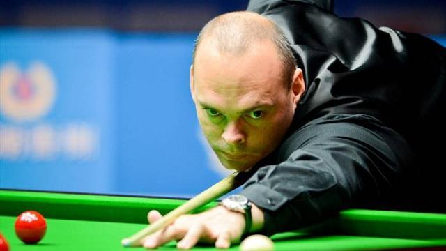 Snooker - Bingham to meet Davis after thumping Baird