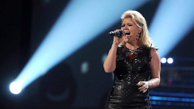 """""""Stronger (What Doesn't Kill You)"""" - Kelly Clarkson"""