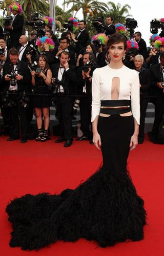 Who: Paz Vega What: Stéphane Rolland feathered gown Where: Madagascar 3 premiere Why We Love It: The scale of the Cannes red carpet rewards an outsized statement. The top of Vega's Stéphane Rolland co