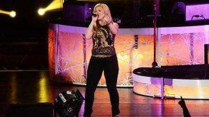 'American Idol' on the Charts: Kelly Clarkson, Phillip Phillips This Close to Their Next No. 1 Hits