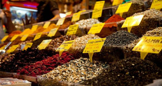 سوق التوابل في إسطنبول - المصدر: ويكيبيديا