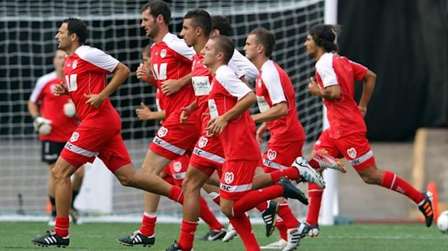 Melbourne Heart players train in 2012 (AFP)