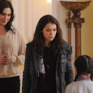 "This photo released by BBC AMERICA shows, from left, Michelle Forbes as Marion, Tatiana Maslany as Sarah and Cynthia Galant as Charlotte, in a scene from the TV series, ""Orphan Black,"" season 2. THE CANADIAN PRESS/AP/BBC AMERICA, Steve Wilkie"