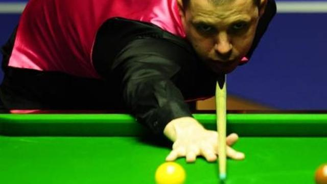 Snooker - Hawkins storms to title in Preston
