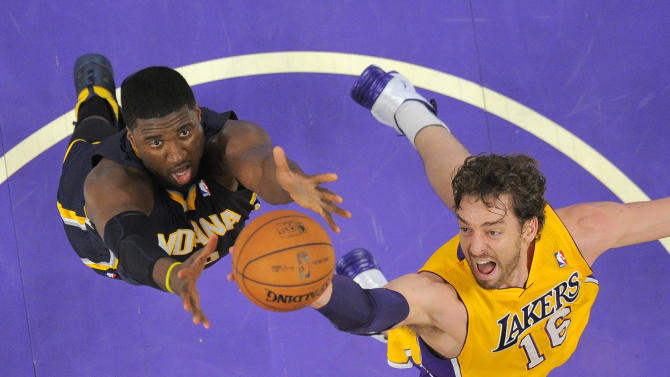 League-leading Pacers hold off Lakers 104-92