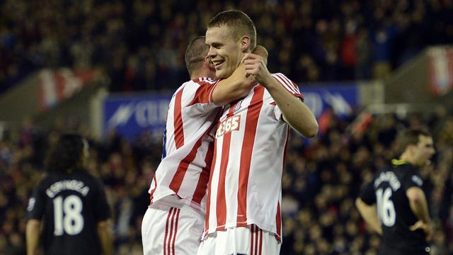 Premier League - Walters worry for Stoke