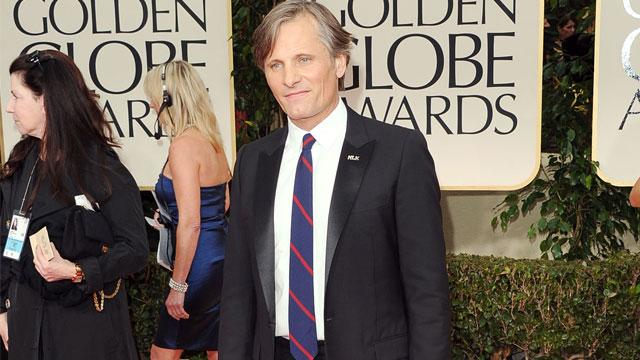 Viggo Mortensen Stopped by Airport Security