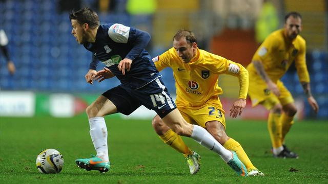 League Two - O'Brien pens new Oxford deal