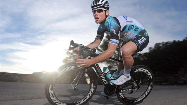 Cycling - Cavendish grabs victory in De Panne