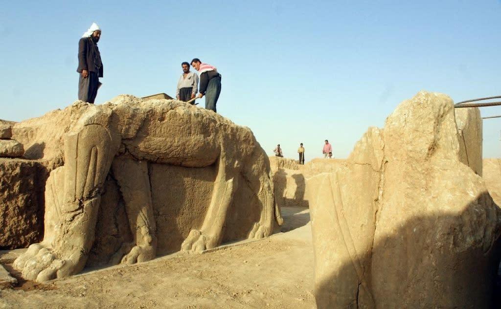 IS 'bulldozed' ancient Assyrian city of Nimrud, Iraq says
