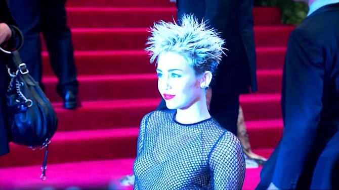 Miley Cyrus Vacations Alone in the Bahamas Without Liam