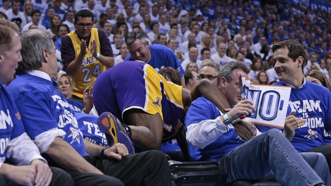 Metta World Peace #15 Of The Los Angeles Lakers Tries Getty Images