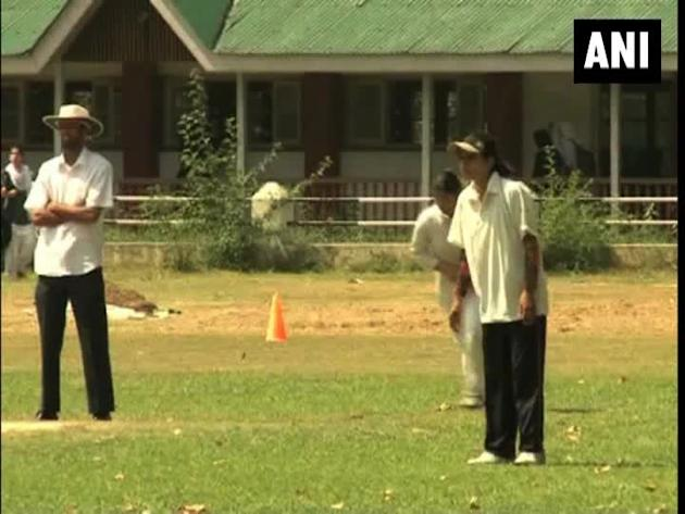 Under 19 Kashmiri women hit the pitch of first ever district cricket tournament