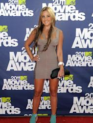 FILE - In this June 5, 2011 file photo, Amanda Bynes arrives at the MTV Movie Awards, in Los Angeles. Bynes entered a civil compromise to end a misdemeanor hit-and-run case on Thursday Dec. 13, 2012, court records show. (AP Photo/Chris Pizzello, File)