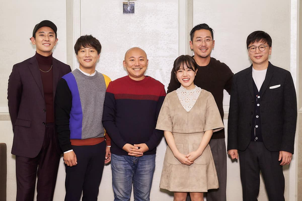 <p>朱智勳、車太鉉、漫畫原著作者周浩旻、金香起、河正宇、導演金容華共同出席製作發表會,分享一年多來的拍攝歷程。 </p>