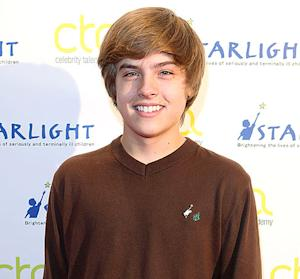 Dylan Sprouse Nude Photos: Disney Star Admits Photos Are Real Via Twitter, Tumblr