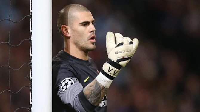 Premier League - Victor Valdes 'signs for Manchester United'