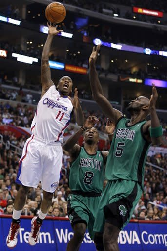 Clippers roll past Celtics 106-77