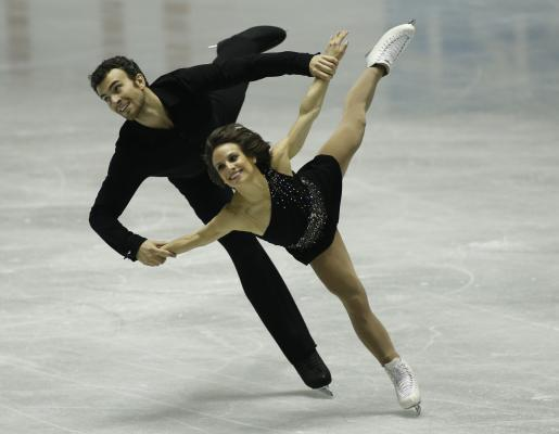 TOKYO, April 18, 2015 (Xinhua) -- Meagan Duhamel (front) and Eric Radford of Canada perform during the Pair's short program at the International Skating Union's (ISU) World Team Trophy of Figure Skating 2015 in Tokyo, Japan, April 18, 2015. (Xinhua/Stinger/IANS)