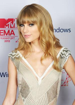 """Taylor Swift on Falling in Love: """"I Don't Think It Through"""""""