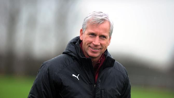 Alan Pardew says Newcastle will analyse their transfer policy ahead of the January window