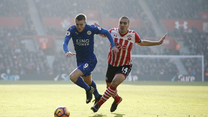 Southampton's Oriol Romeu in action with Leicester City's Jamie Vardy