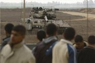 Israeli soldiers open fire in 'buffer zone'