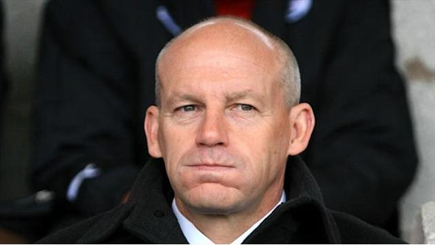 League Two - Portsmouth appoint Coppell and Barker