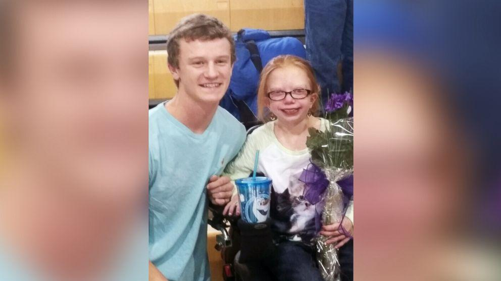 Teen With Growth Disorder Accepts Prom Invitation from School Football Star