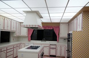 The underground pink kitchen
