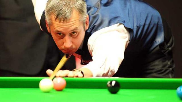 Snooker - Bond beats Steadman in UK Championship opener