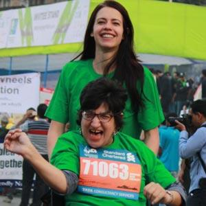 Kalki Koechlin Runs For Mumbai Marathon With A Specially Abled Girl