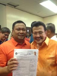 "San Juan Rep. JV Ejercito of PMP, meanwhile, proudly proclaimed he is a son of San Juan, but is ""para sa bayan."" (Photo from his Fanpage)"